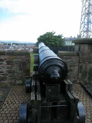 Cannon on Derry Wall